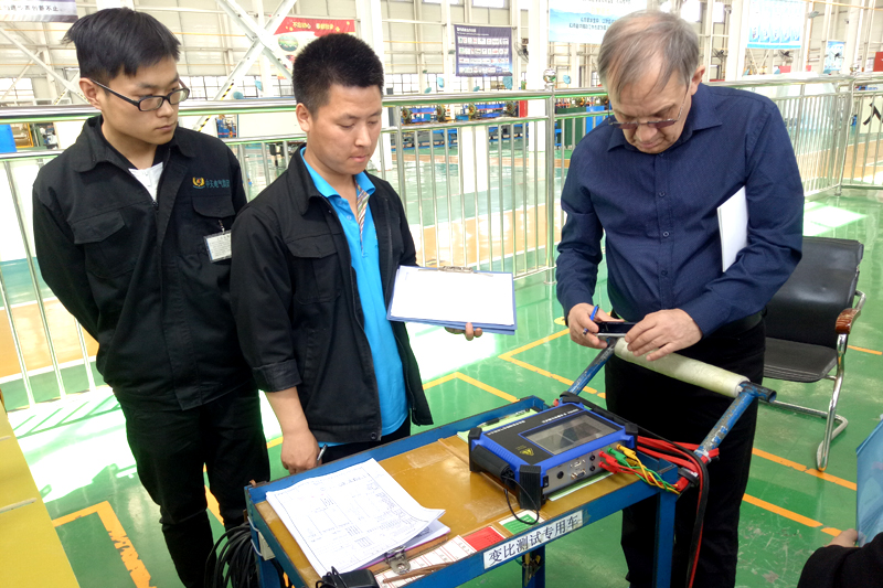 Russian Customer Inspects Phase Shifting Transformer Performance Test